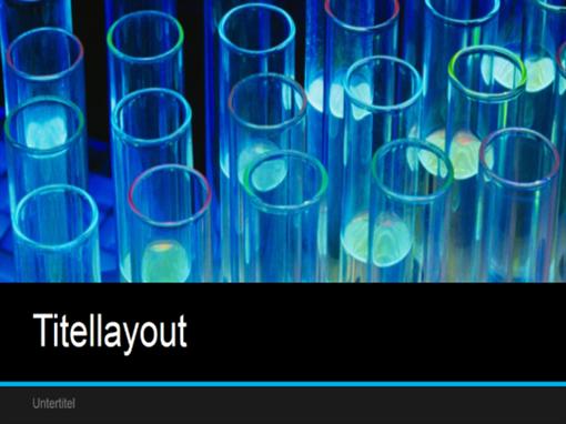 Präsentation eines wissenschaftlichen Laborprojekts (Breitbild)