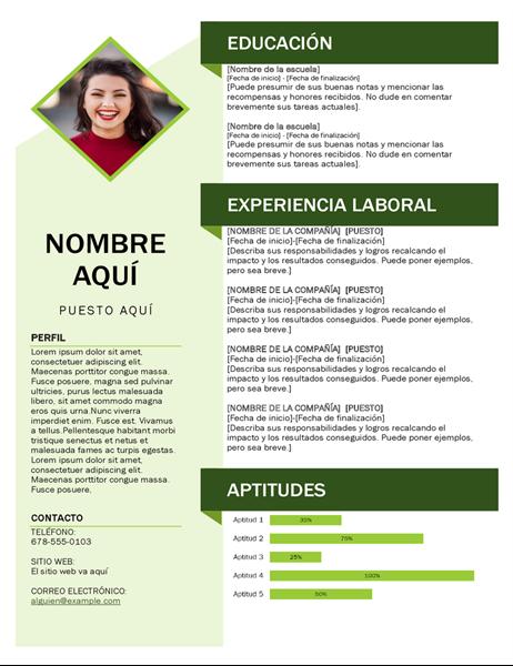 Currículum vítae con cubo verde