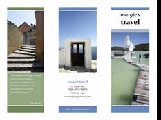 Folleto de viaje tipo tríptico (diseño en azul y verde)