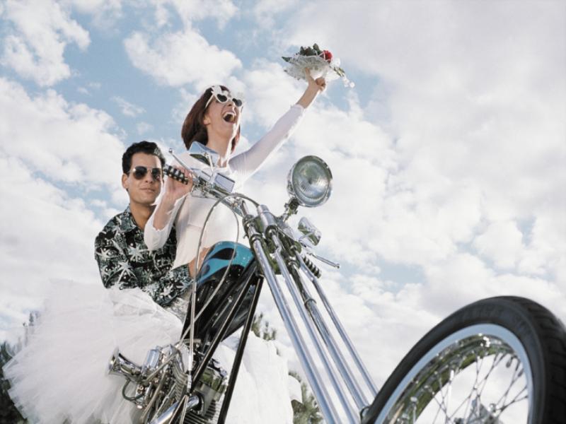 Thème mariage - Les mariés en moto