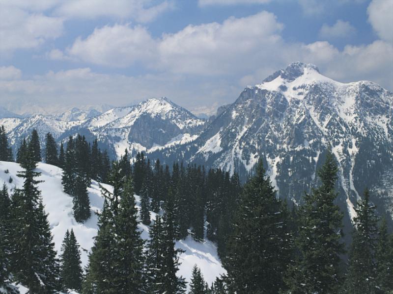 Thème montagne - Vallée sous la neige