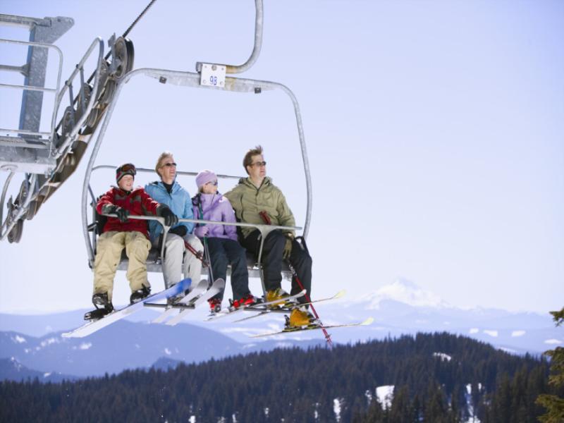 Thème ski -Télésiège sur arrivée