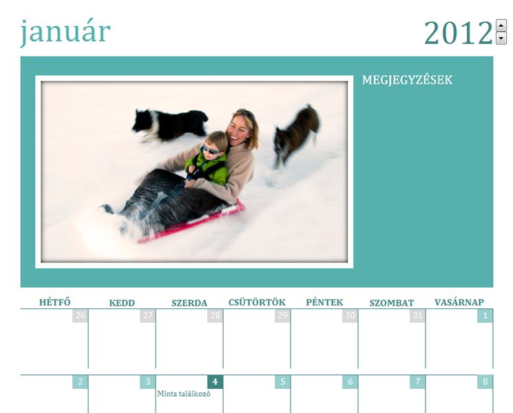 Családi fényképes naptár (hétfői hétkezdet)