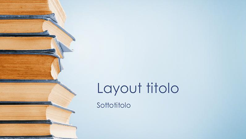 Presentazione con pila di libri blu (widescreen)