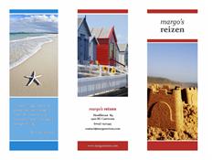 In drieën gevouwen reisbrochure (rood, goudkleurig en blauw ontwerp)