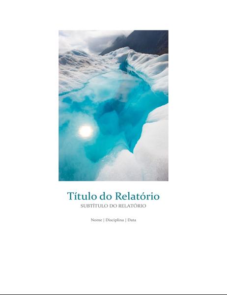 Relatório de estudante com fotografia de capa