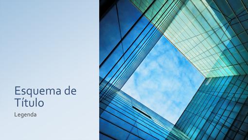Apresentação sobre marketing empresarial com cubo de vidro (ecrã panorâmico)
