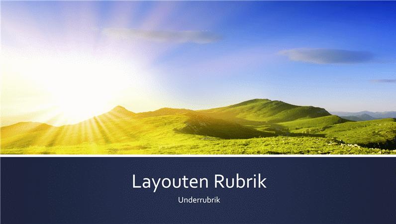 Presentation med blått band och foto med berg och en soluppgång  (bredbildsformat)