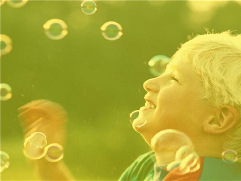 男孩和泡泡设计模板